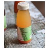 100% cold pressed, raw & natural grapefruit juice.   📸@enhancelifestyles  #livewell #healthandwellnessjourney #glutenfree #dairyfree #nonalcholicdrinks #vegan #begoodtoyourgut #guthealth #wellness #drinkstyling #drinkphotography #plantbased #healingjuice #benefitsofjuicing #tasty #tastessogood #grapefruit #grapefruitjuice #coldpressed #coldpressedjuices #coldpress #therawjuicecompany #therawjuicecompanyireland
